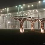Holz-Installation außen - Pinakothek der Moderne München