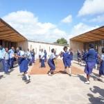 Holzkonstruktion Schule Afrika Pause