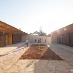 Holzkonstruktion Schule Afrika Innenhof